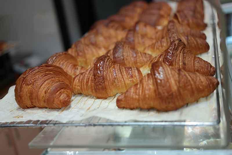 Paris Food Guide - 134 RDT croissants