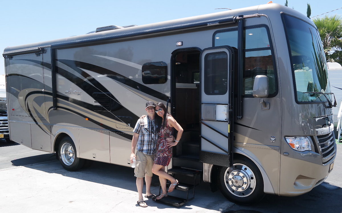 Newmar Bay Star Review - Gas Motorhome Under 30'