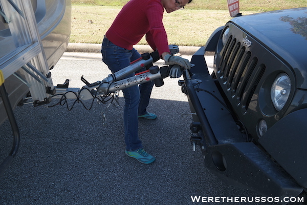 How to Flat Tow a Jeep Wrangler - Attaching