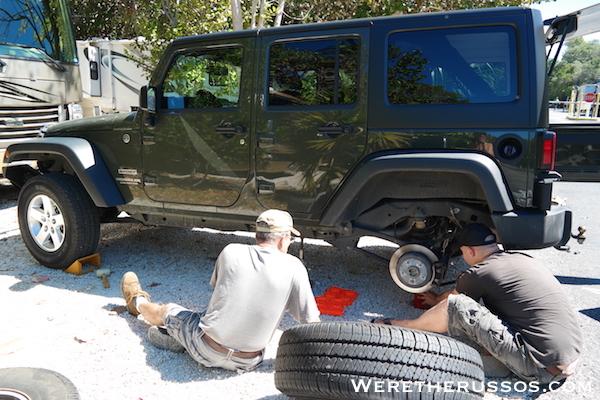 Jeep tire change