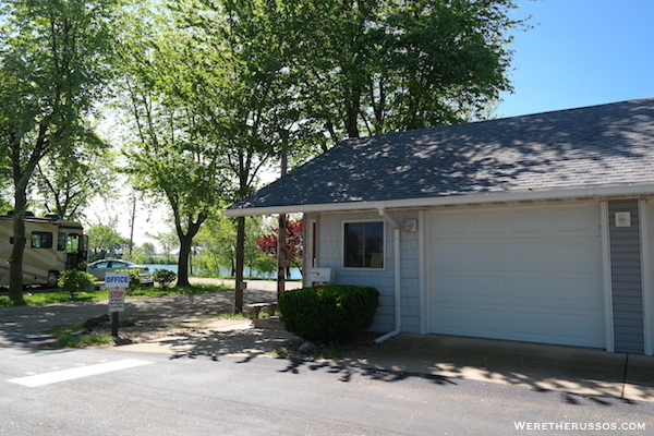 D&W Lake Camping RV Park Champaign office
